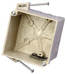 """32"""" Fiberglass 4"""" x 4"""" Nail-On Box"""