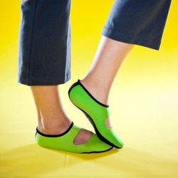 Nufoot Ladies' Green Mary Janes (Size: Large 8-11)