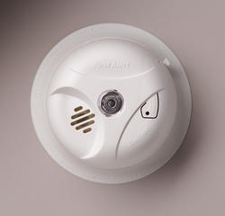 First Alert DC Smoke Alarm with Escape Light