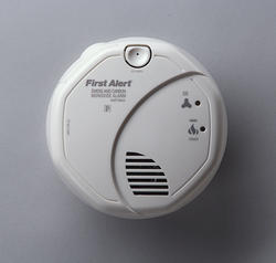 First Alert DC Smoke/Carbon Monoxide Combo Alarm with Voice Location