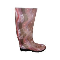 Ladies' Fashion Boots - Shiny Curves