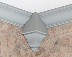 "4-3/8"" x 2"" x 2"" Hardwood Inside Corner Crown Block Moulding"