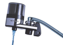 F2 ESSENTIALS Faucet Filter System (Chrome/Clear)