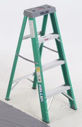 674  4' Type II Fiberglass Step Ladder