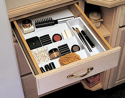 Knape & Vogt White Cosmetic Drawer Insert