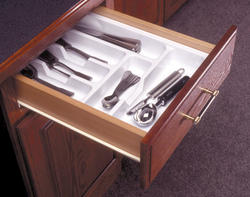 "Knape & Vogt 18-1/8"" x 17"" Single-Tier Cutlery Tray"