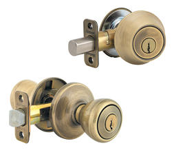Kwikset Tylo Antique Brass Entry Knob and Double Cylinder Deadbolt Combo Pack