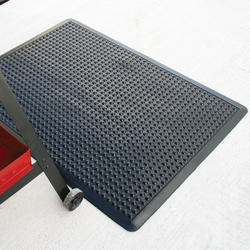 Ultra-Dome Workstation Solid Rubber Anti-Fatigue Mat 2' x 3' x 1/2""