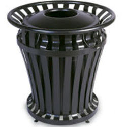 WeatherGard® Series Container with 32 US gal. BRUTE® Rigid Liner