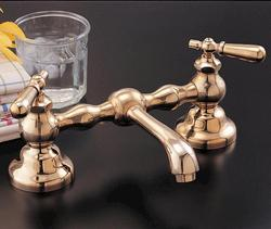 Bridge Faucet with Drain